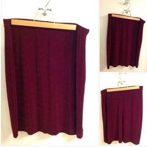 Burgundy/Maroon Skirt L ⭐️💐 $1 ADD ON